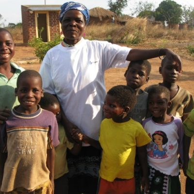 Casa João de Deus (Nkawo). Acolhe 1 rapariga e 7 rapazes