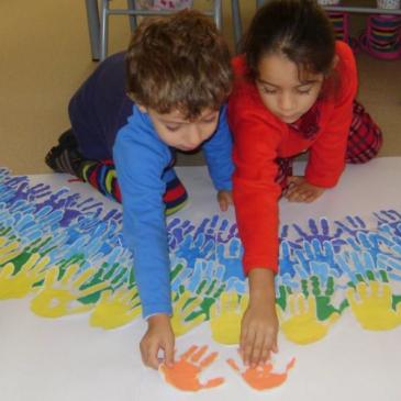 """""""O Dia Universal dos Direitos da Infância promove dinâmicas na escola"""""""